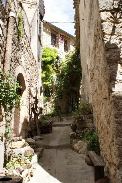 Saint Guilhem le Desert Street 3